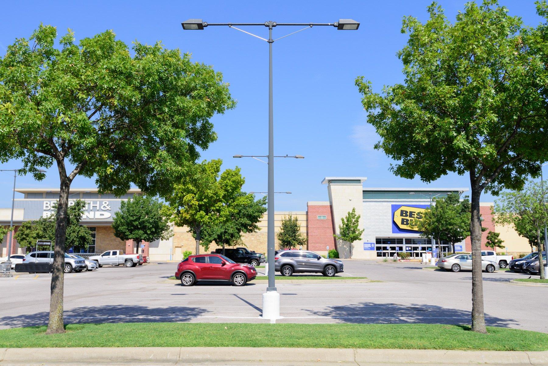 commercial-landscape-shopping center-parking lot-plants-trees