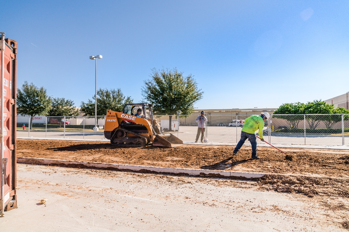 landscapers at Tru and Home2 Suites By Hilton