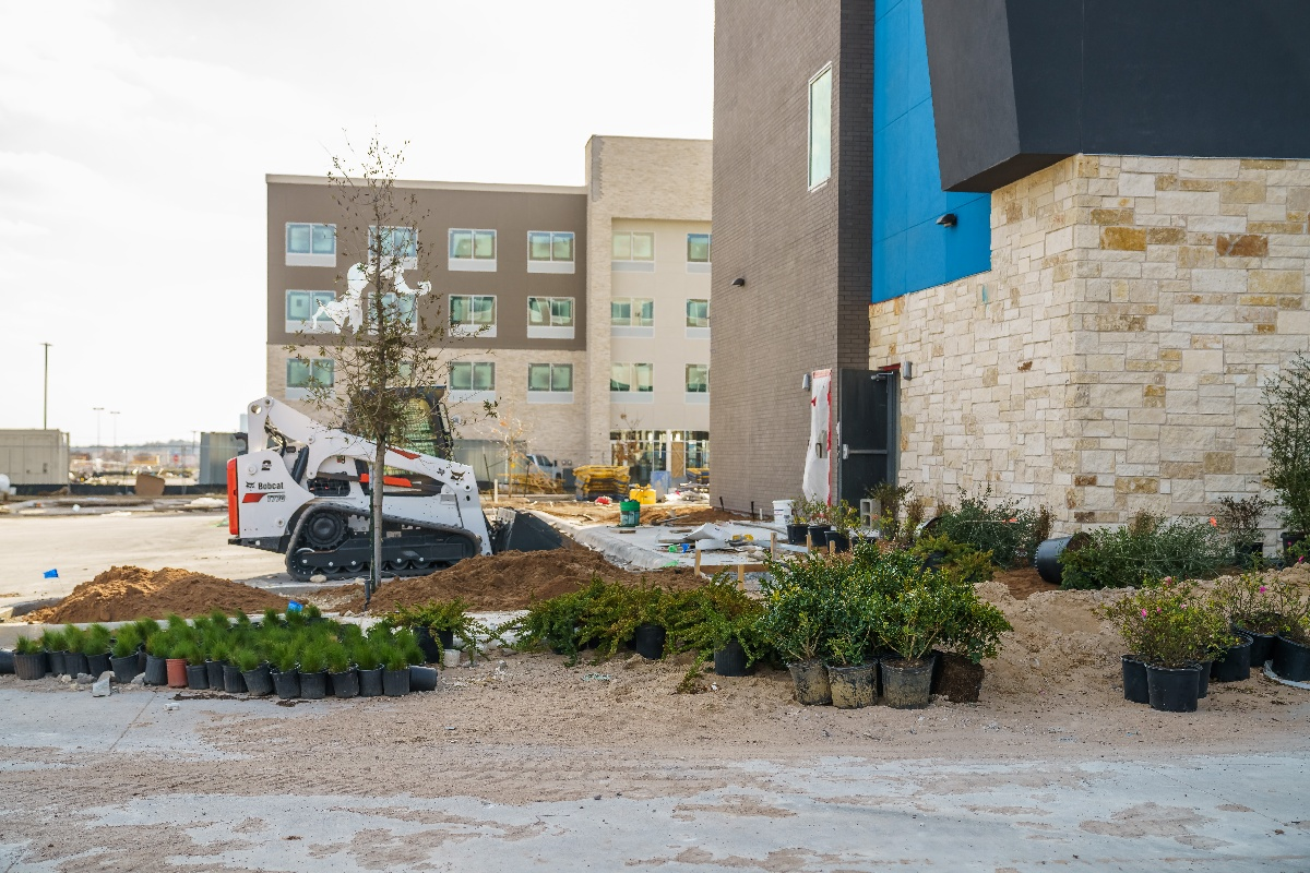 plant landscaping at Tru and Home2 Suites By Hilton