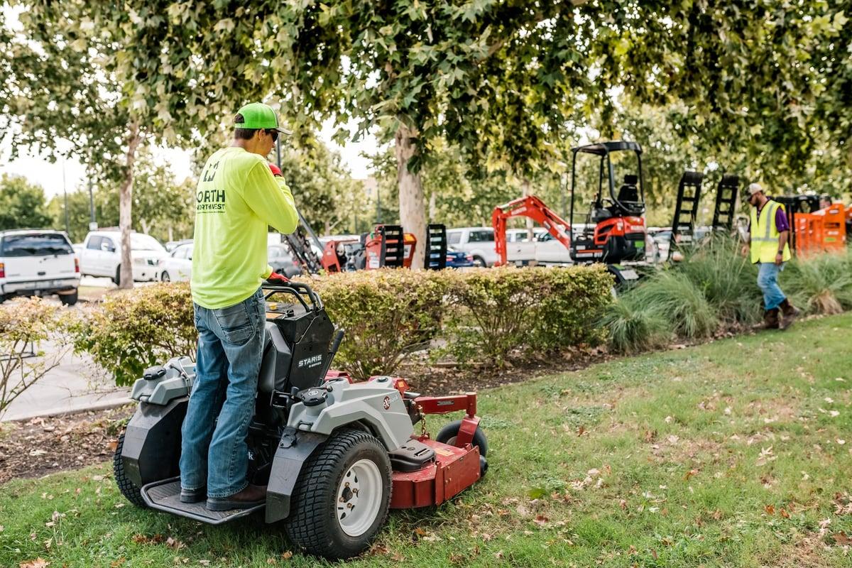 commercial landscape maintenance lawn mowing